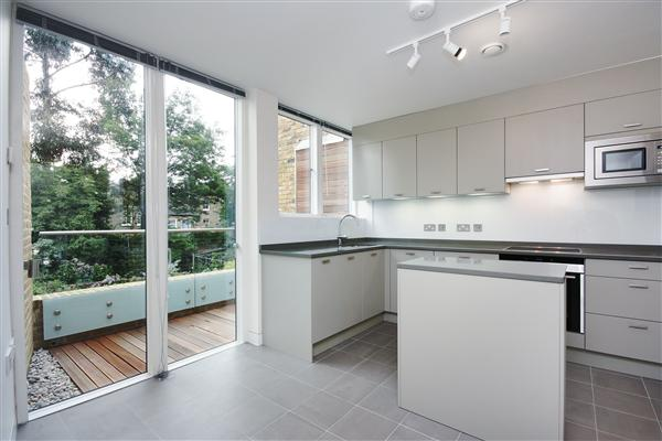 3 bed house to rent in Tavistock Terrace, London, N19