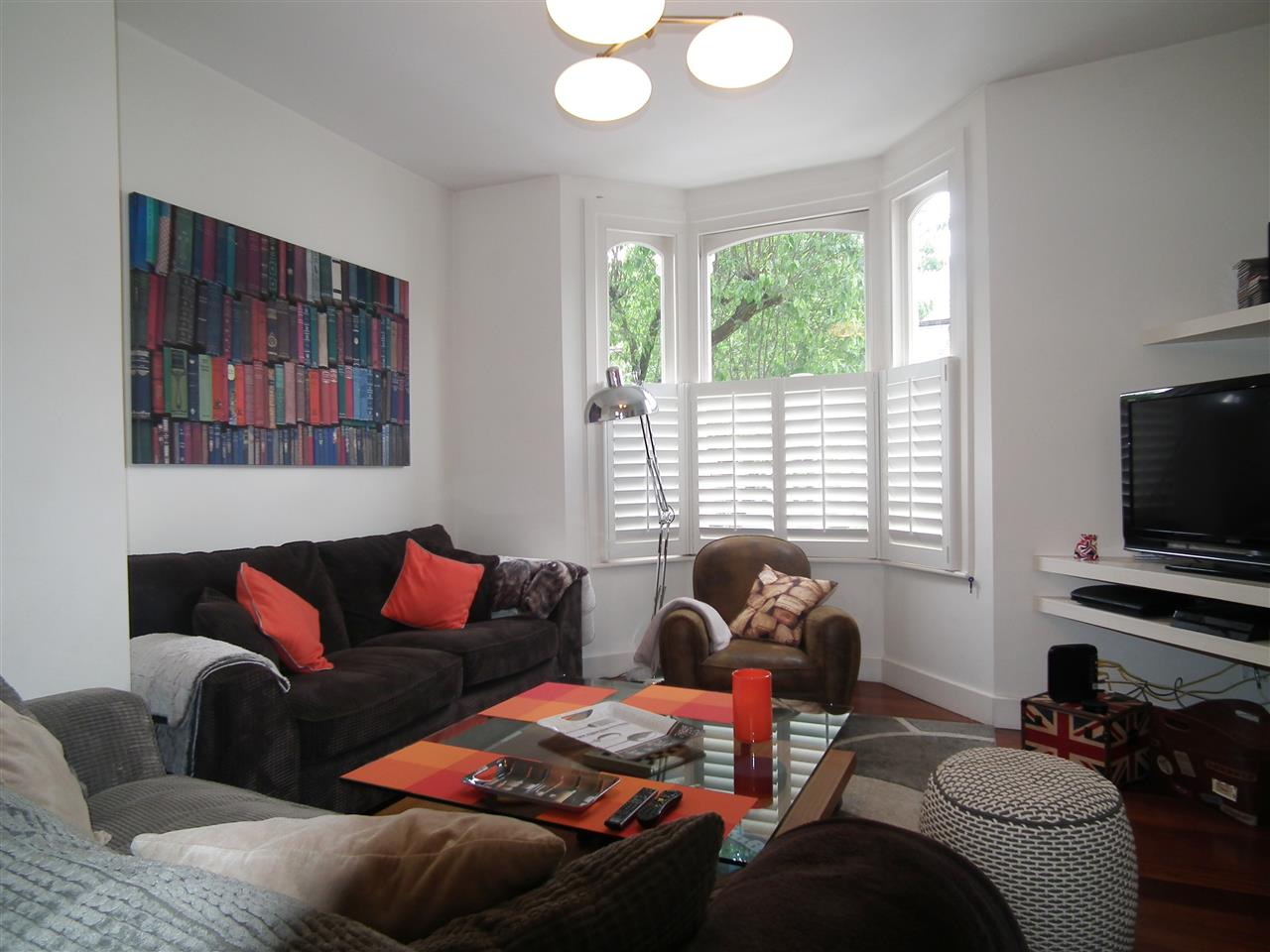 3 bed flat to rent in Hugo Road, London, N19