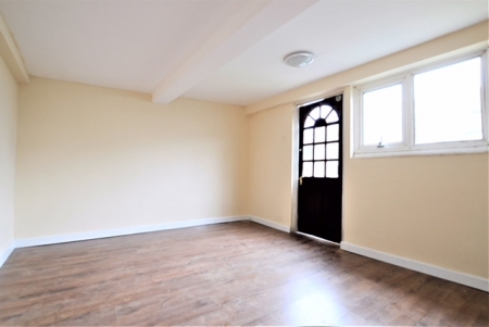 3 bed House to rent on school road