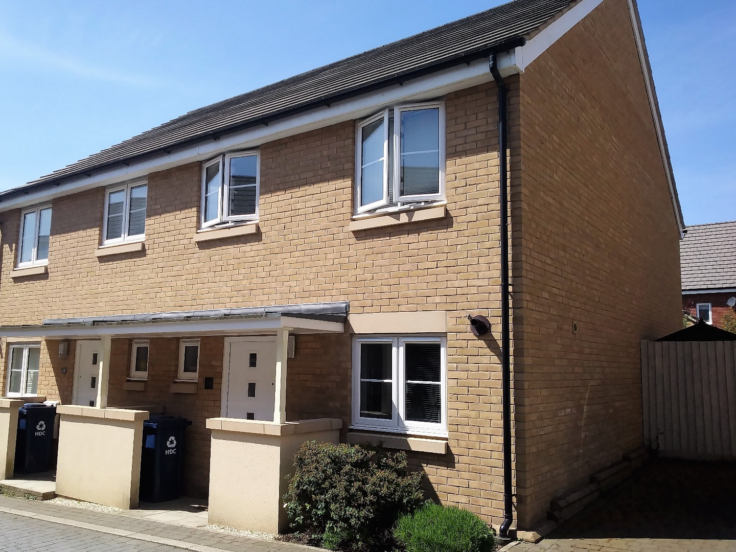 3 bed House for sale on Anderson Close, Loves Farm, St Neots - Property Image 1