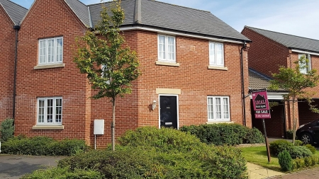 3 bed House for sale on Dixy Close, St Neots