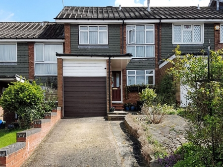 3 bed House for sale on Altwood, Harpenden