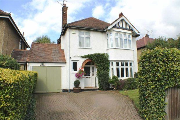 3 bed for sale in Greenway, Southgate, London, N14 - Property Image 1