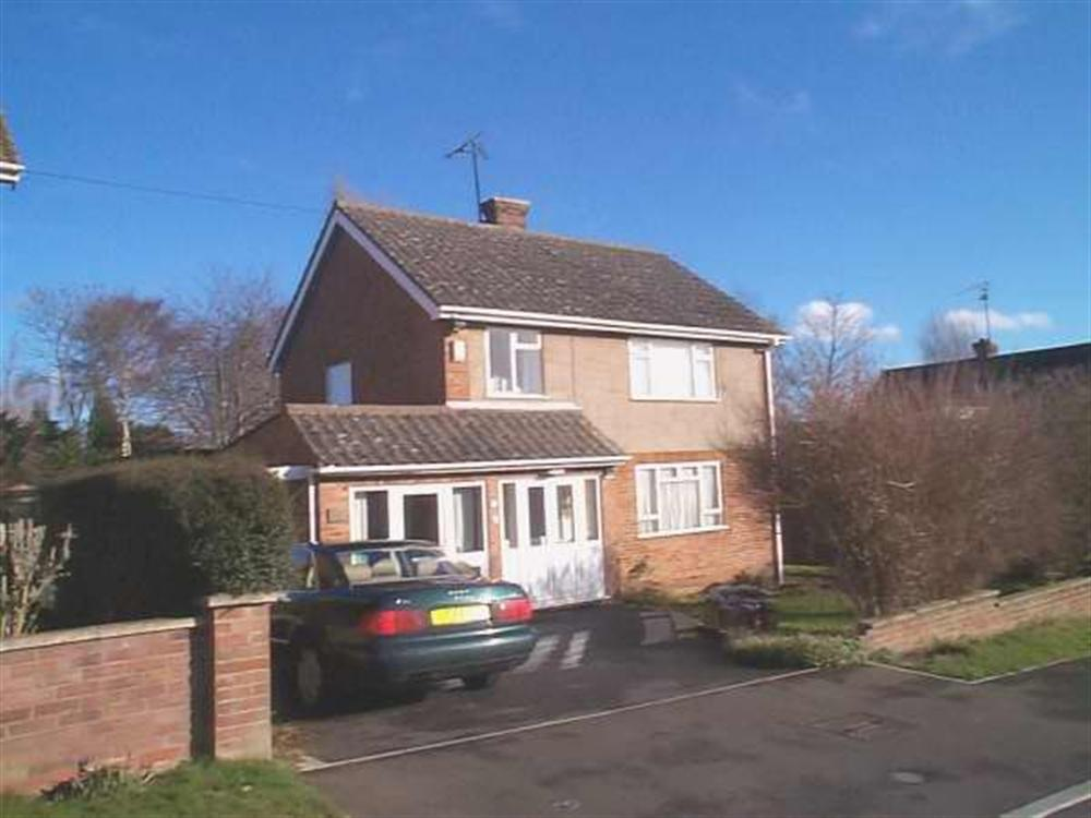 4 bed House to rent in Centurion Close, Coleshill, B46 - Property Image 1