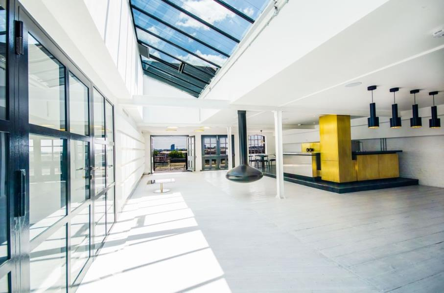 2 bed Apartment to rent in Metropolitan Wharf - Property Image 1