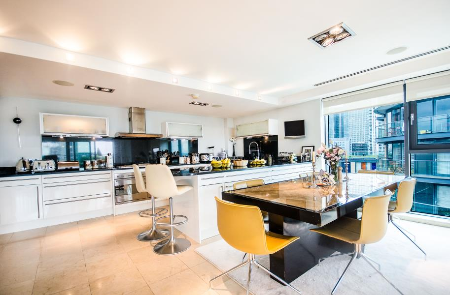 2 bed Apartment to rent in 41 Millharbour, E14 - Property Image 1