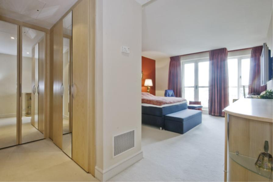 2 bed Apartment to rent in Eaton House, Westferry Circus - Property Image 1