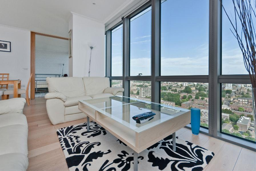 2 bed Apartment to rent in West India Quay, London, E14 (SHORT LET) - Property Image 1