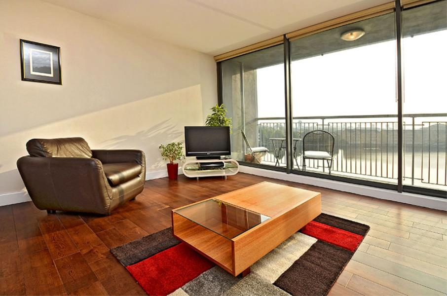 2 bed Apartment to rent in Short Let City Harbour, E14 - Property Image 1