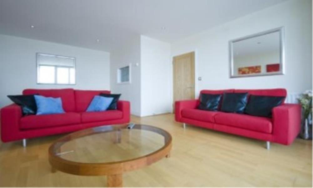 4 bed Apartment to rent in Mint Walk, Croydon, CR0 - Property Image 1
