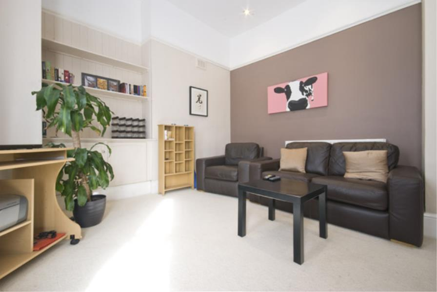 2 bed Apartment to rent in Mint Walk, Croydon, CR0 - Property Image 1