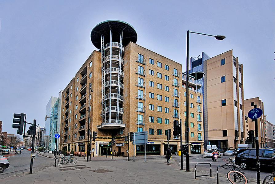 1 bed Apartment for sale in Londinium Tower, E1 - Property Image 1
