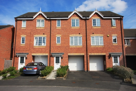 4 bed House to rent in Godwin Way, Stoke On Trent