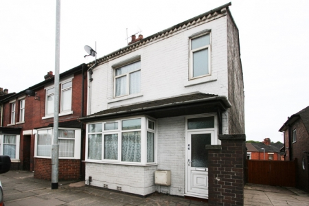 5 bed House to rent in London Road, Newcastle Under Lyme