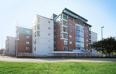 2 bed Flat to rent in Newcastle Under Lyme