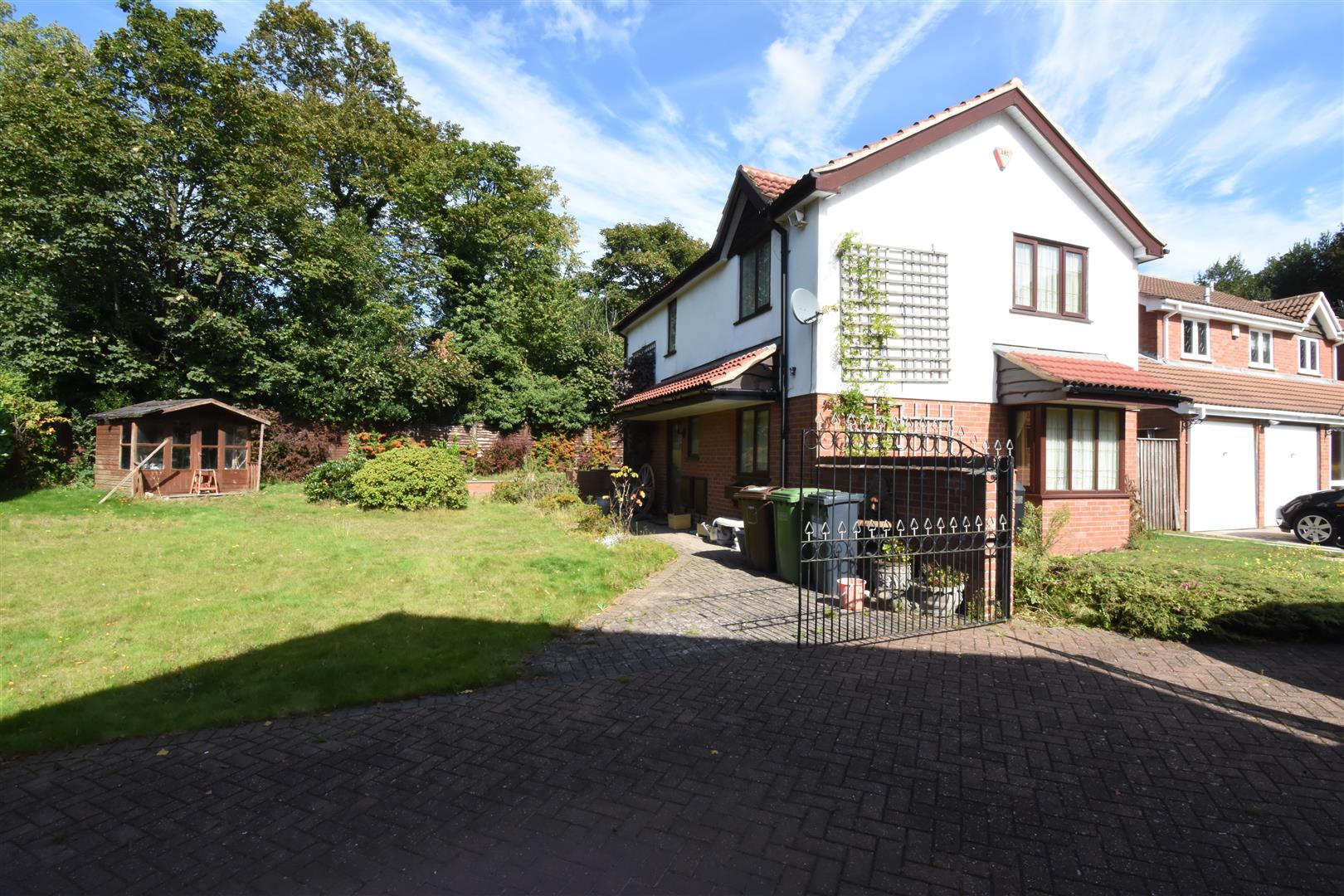 3 bed house for sale in Castle Hills Drive, Castle Bromwich, Birmingham, B36