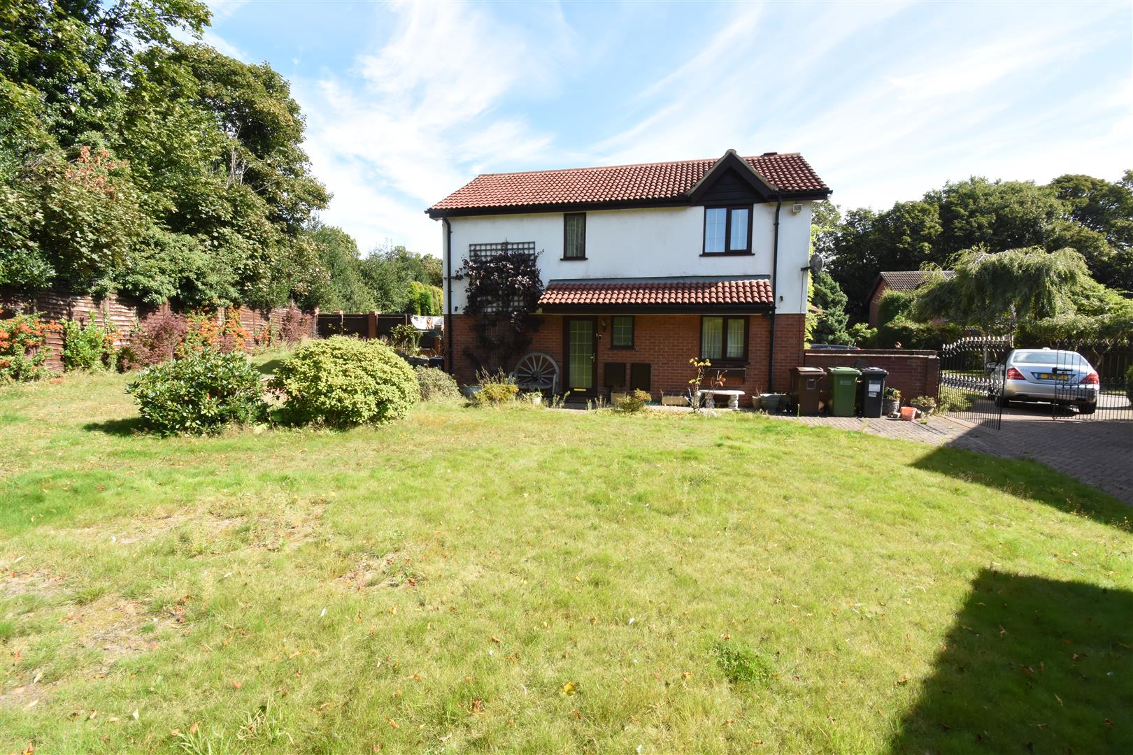 3 bed house for sale in Castle Hills Drive, Castle Bromwich, Birmingham 2