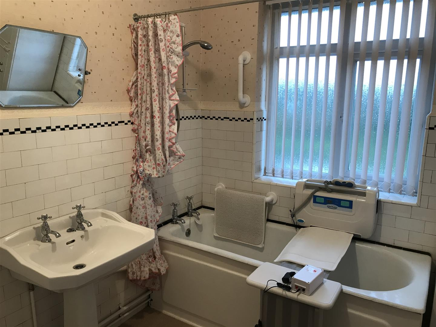 3 bed house for sale in Bromford Road, Hodge Hill, Birmingham 8