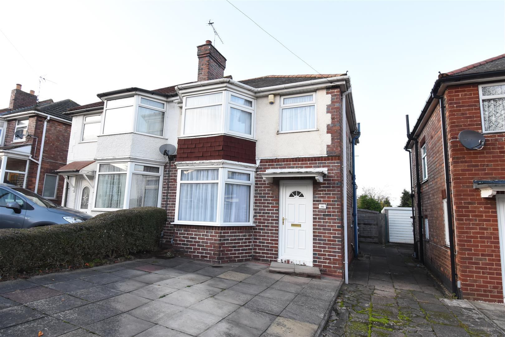 3 bed house for sale in Ermington Crescent, Castle Bromwich, Birmingham, B36