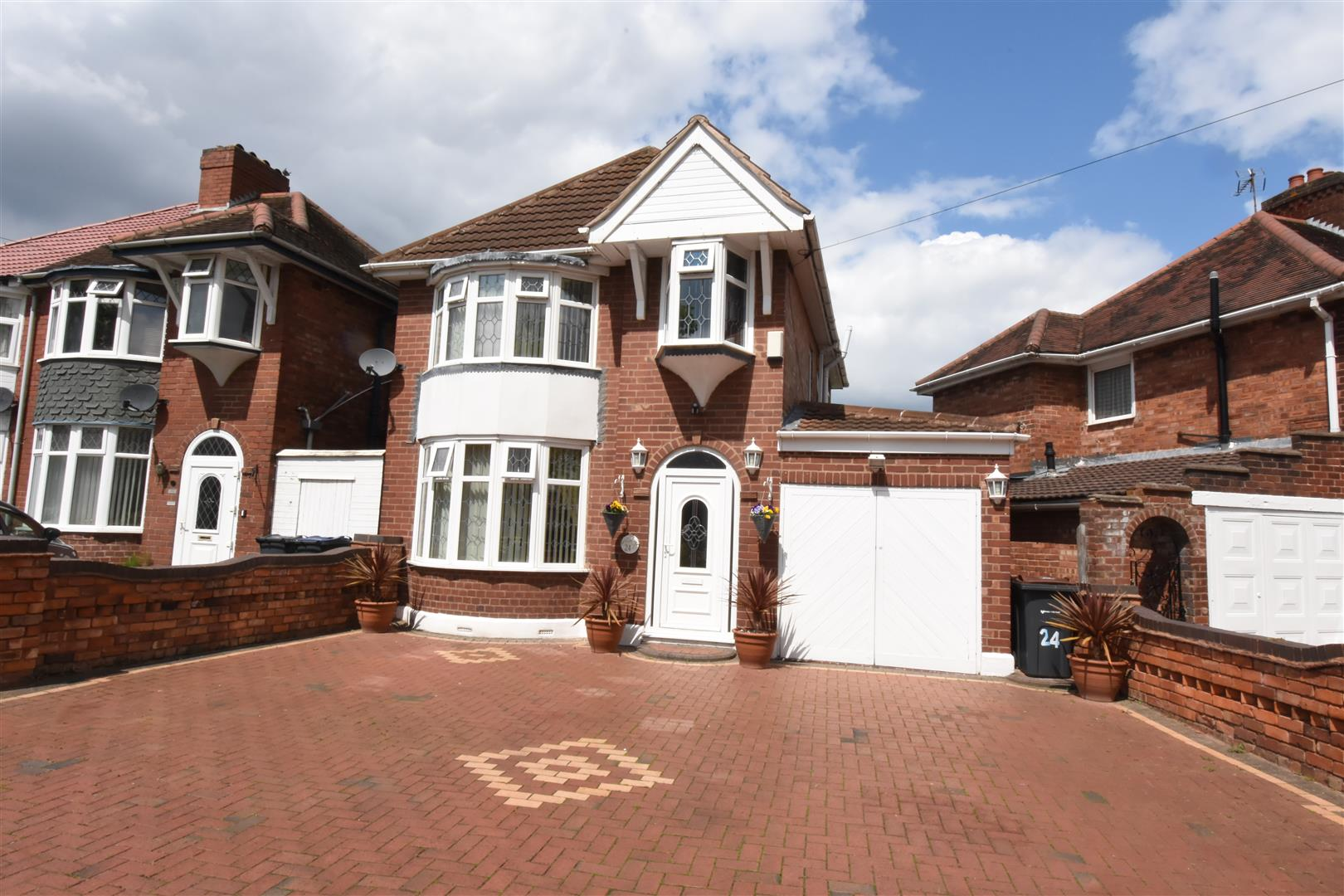 3 bed house for sale in 24 Hodge Hill Road, Hodge Hill, Birmingham, B34