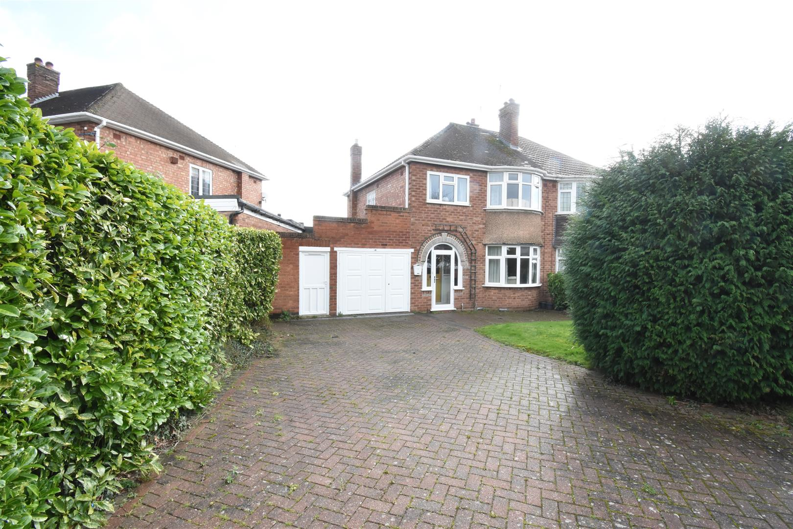 3 bed house for sale in Manor Park Road, Birmingham, B36
