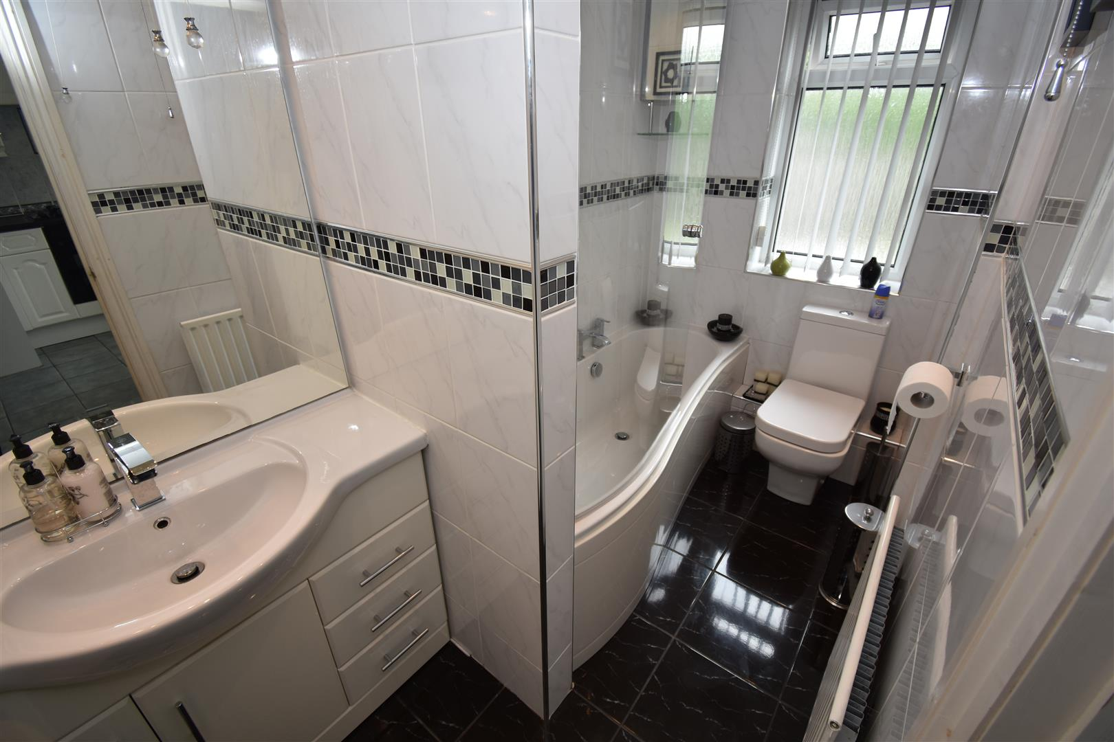 3 bed house for sale in Winnington Road, Ward End 5