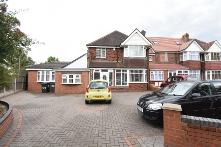 6 bed house for sale in Douglas Avenue, Hodge Hill, Birmingham