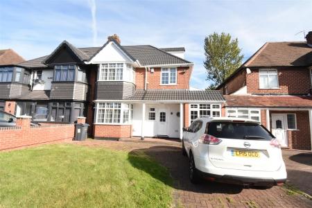 4 bed house for sale in Sandhurst Avenue, Hodge Hill, Birmingham