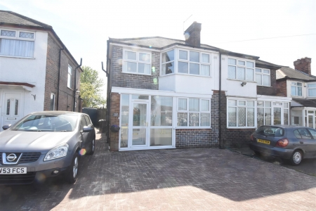 3 bed house for sale in Bromford Road, Birmingham