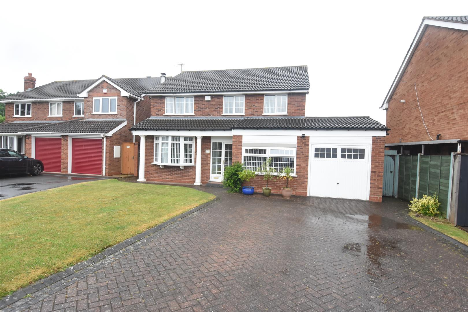 4 bed house for sale in Park Hall Crescent, Birmingham, B36