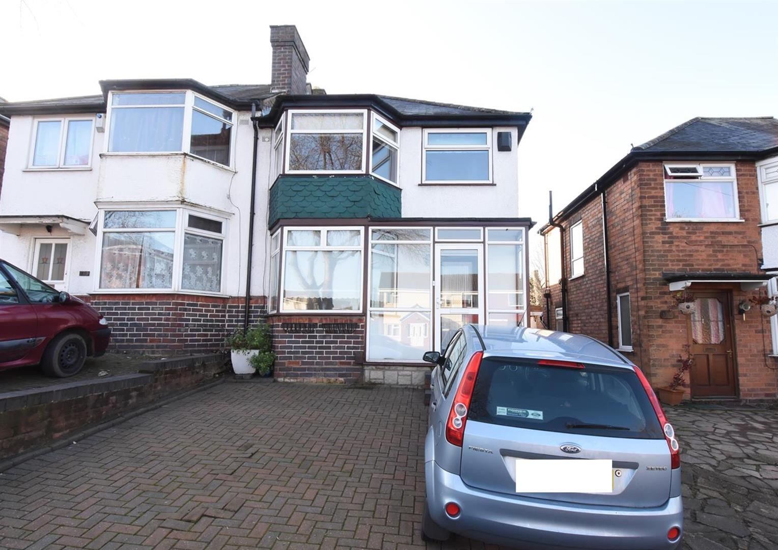 3 bed house for sale in Bromford Road, Hodge Hill, Birmingham B36 8HR - Property Image 1