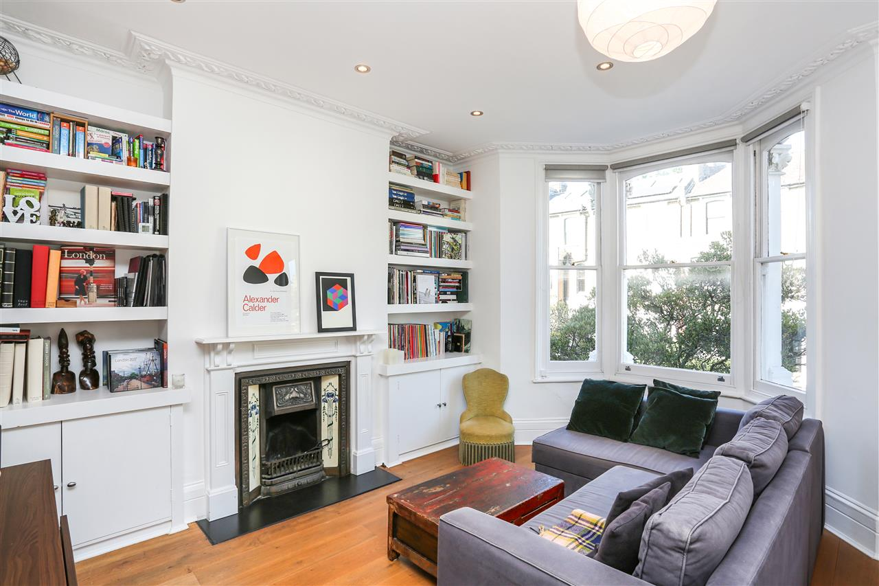 3 bed flat to rent in Burghley Road, London, NW5