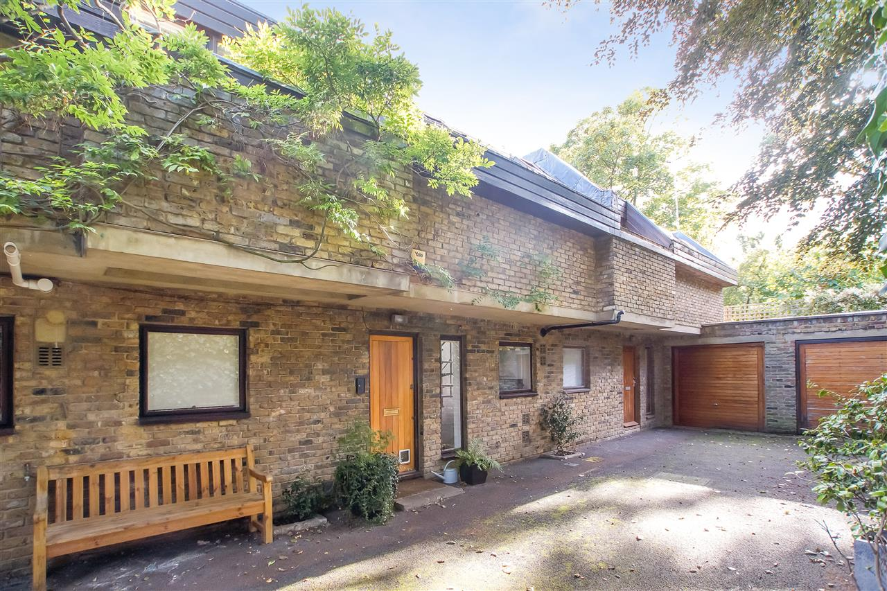 3 bed house to rent in Bellgate Mews, London, NW5
