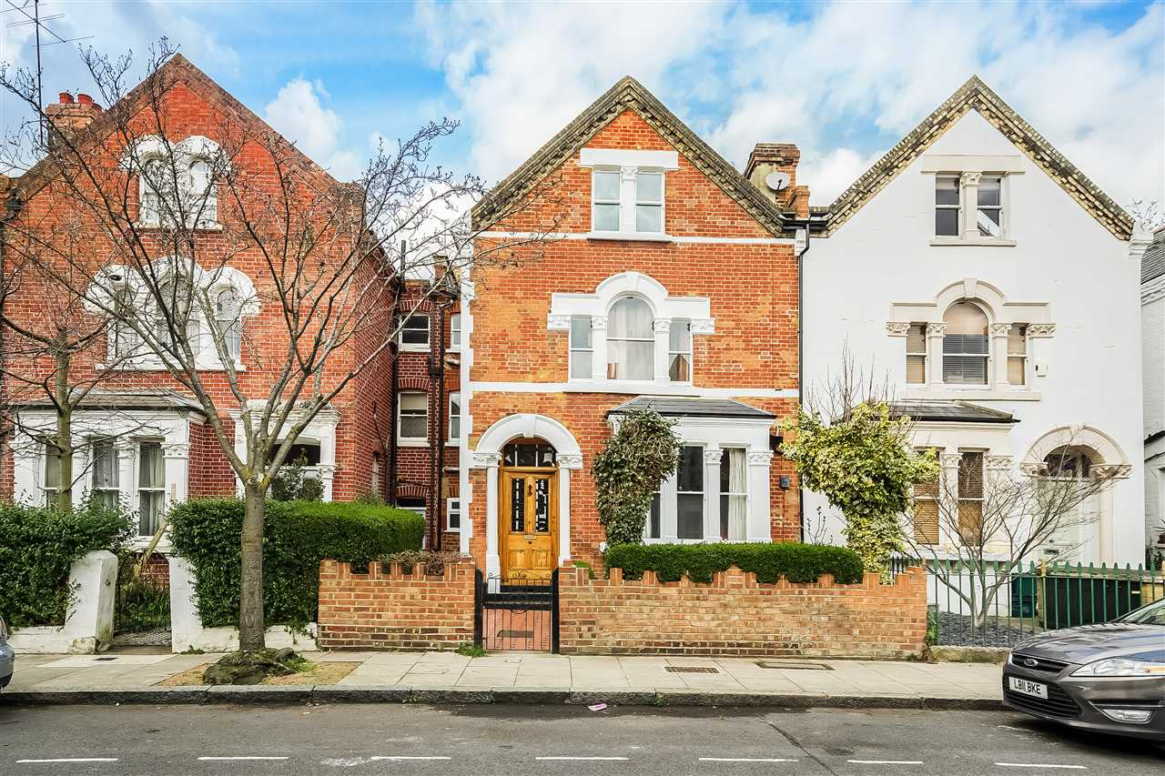 6 bed house for sale in Fairmead Road, London, N19