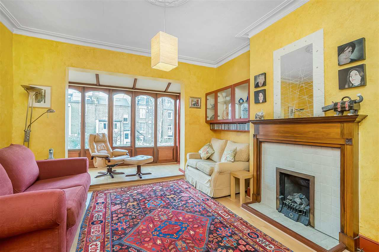 6 bed house for sale in Fairmead Road, London 5