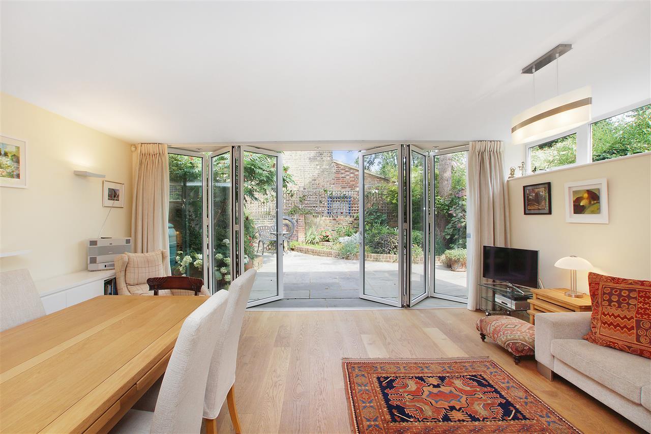 2 bed flat for sale in Yerbury Road, London, N19