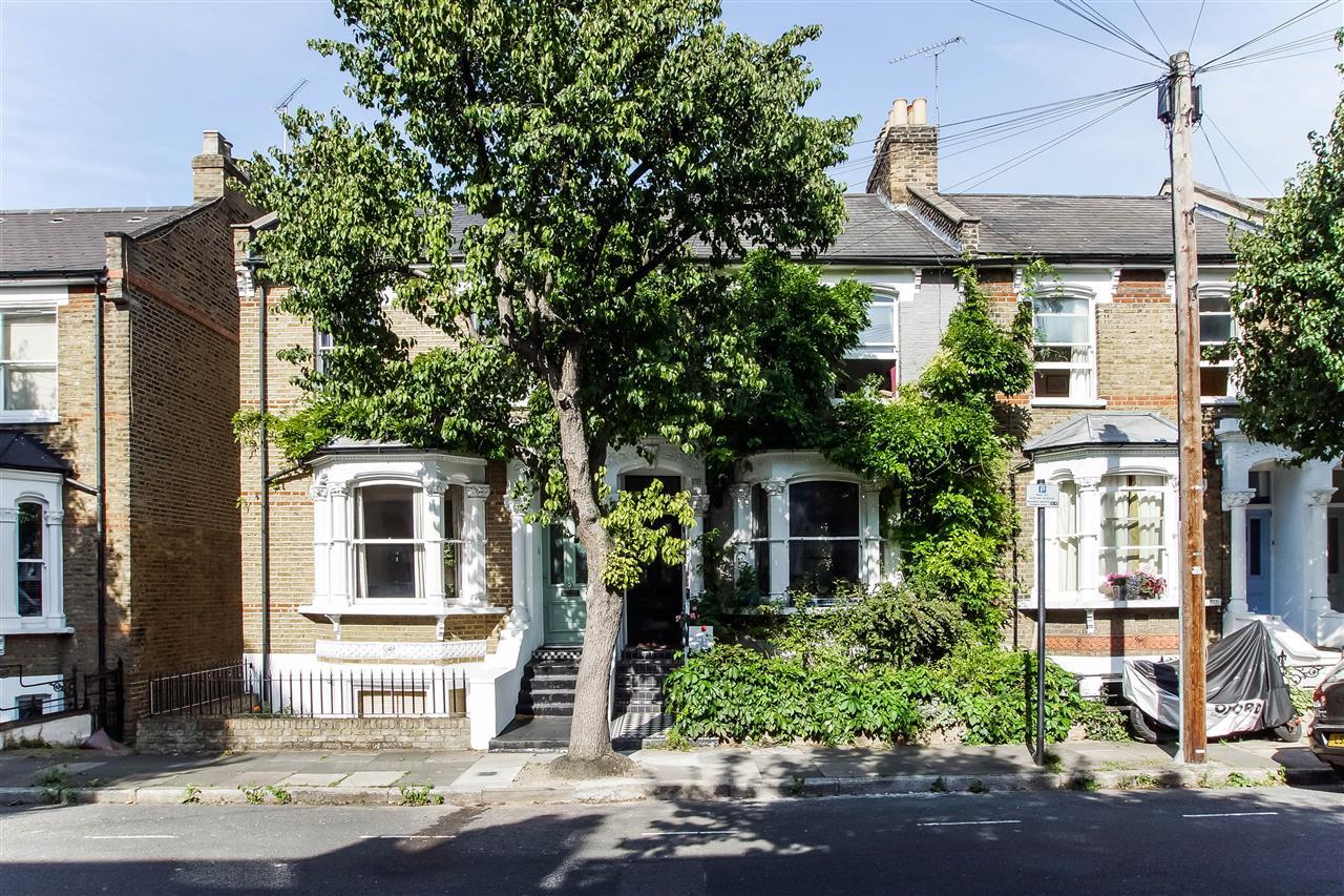 4 bed house for sale in Hugo Road, London, N19