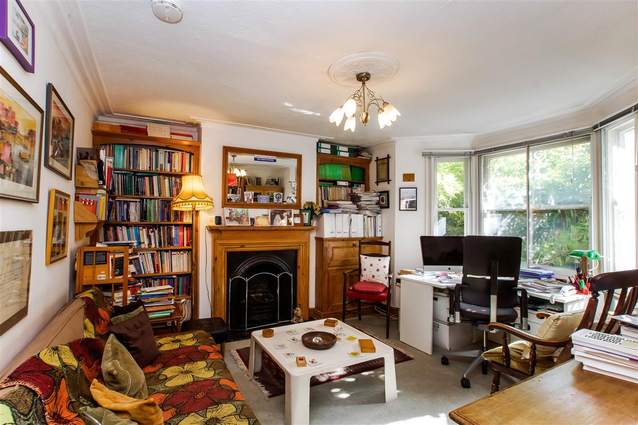 4 bed house for sale in Hugo Road, London 6