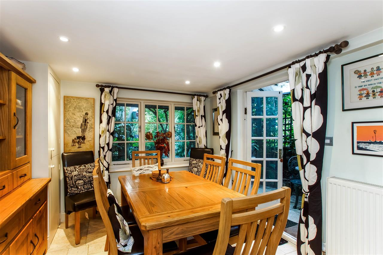 4 bed house for sale in Hugo Road, London 9