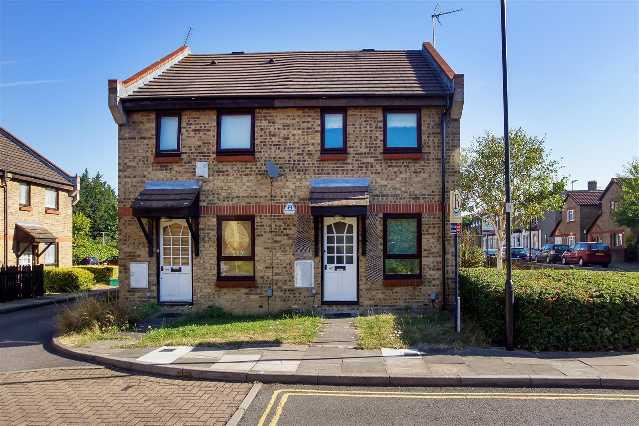 2 bed semi-detached for sale in Wedmore Gardens, London, N19