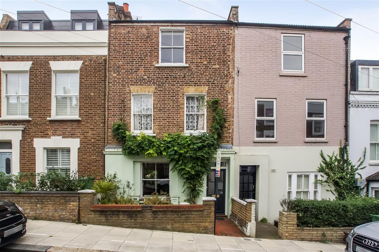 5 bed house for sale in Spencer Rise, London - Property Image 1