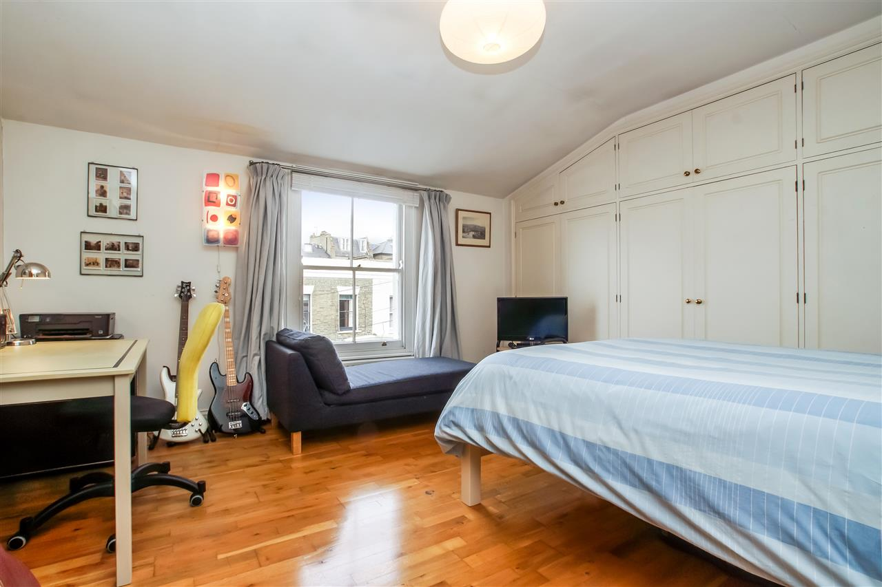 5 bed house for sale in Spencer Rise, London 10