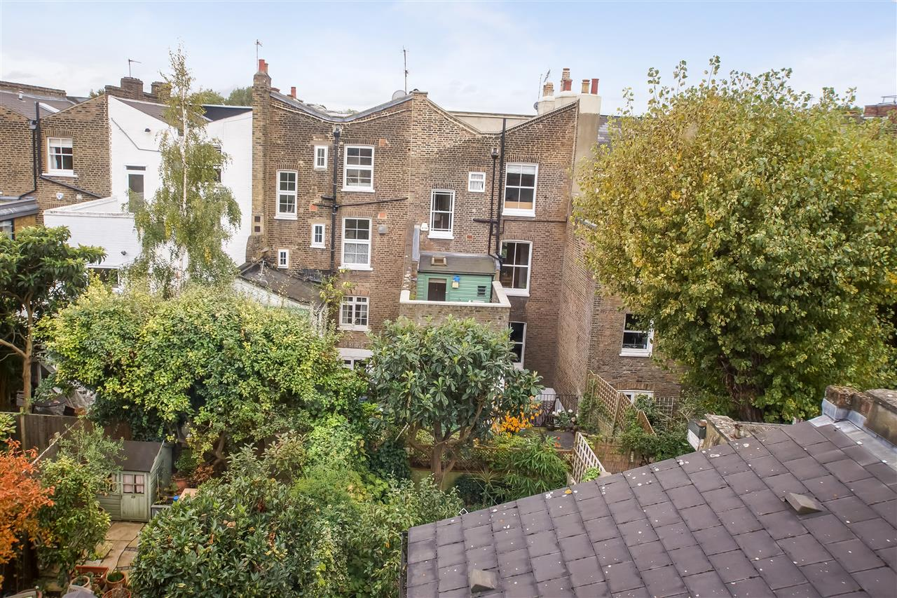 5 bed house for sale in Spencer Rise, London 13
