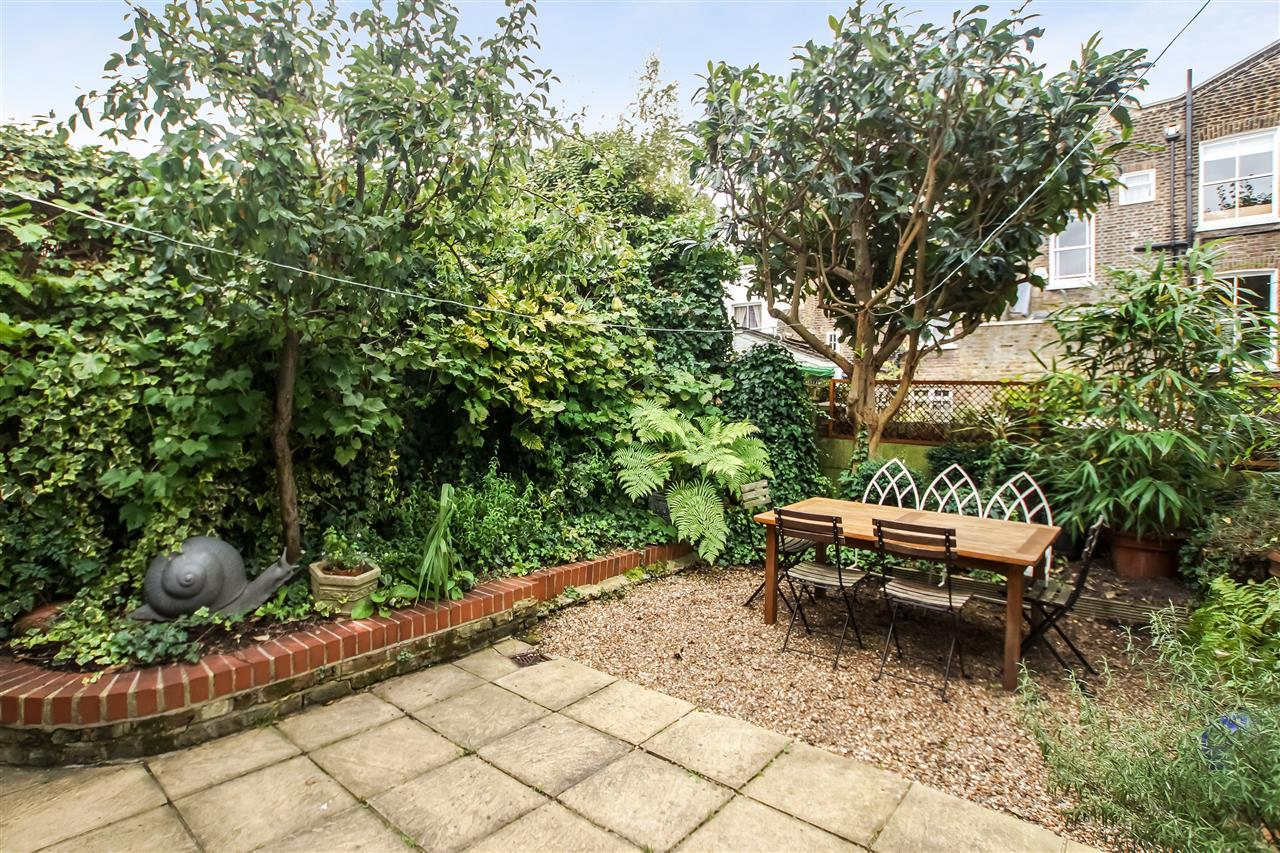 5 bed house for sale in Spencer Rise, London 15