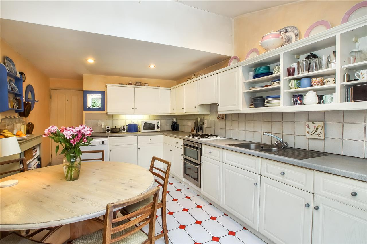 5 bed house for sale in Spencer Rise, London 6