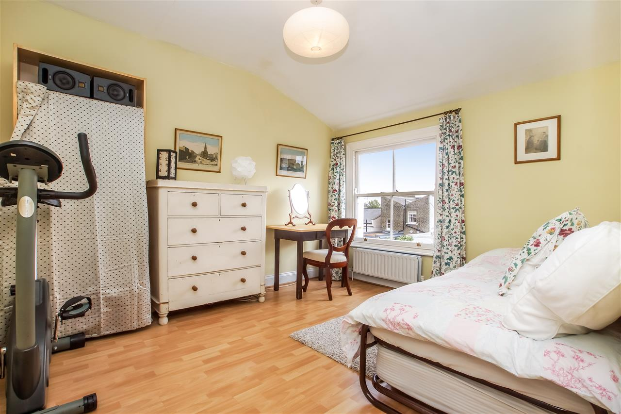 5 bed house for sale in Spencer Rise, London 8
