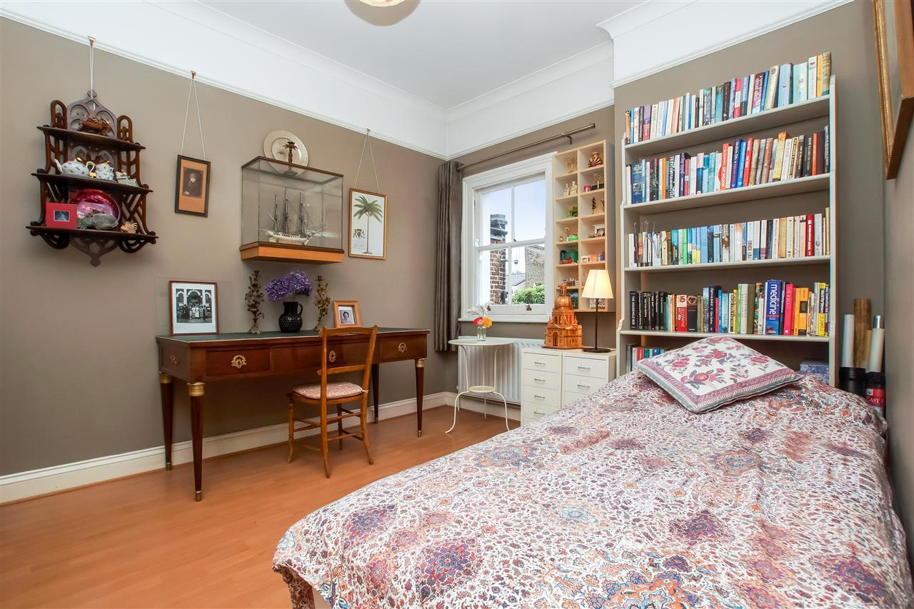 5 bed house for sale in Spencer Rise, London 9