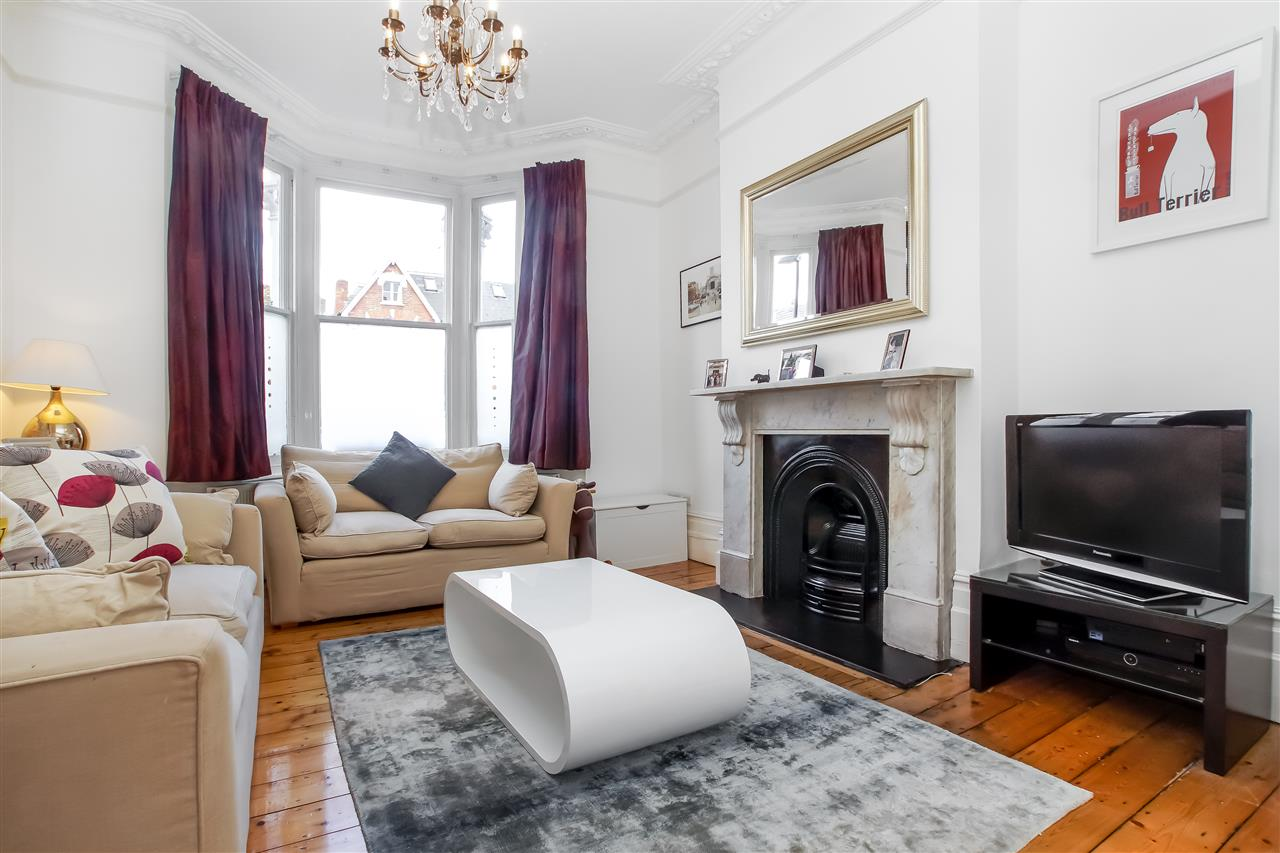 5 bed house for sale in Mercers Road, London, N19