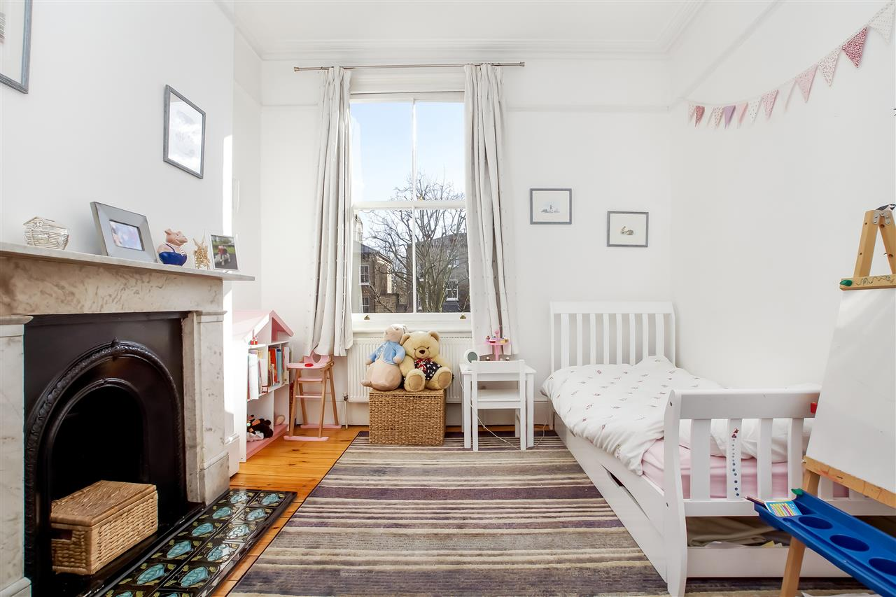 5 bed house for sale in Mercers Road, London 10