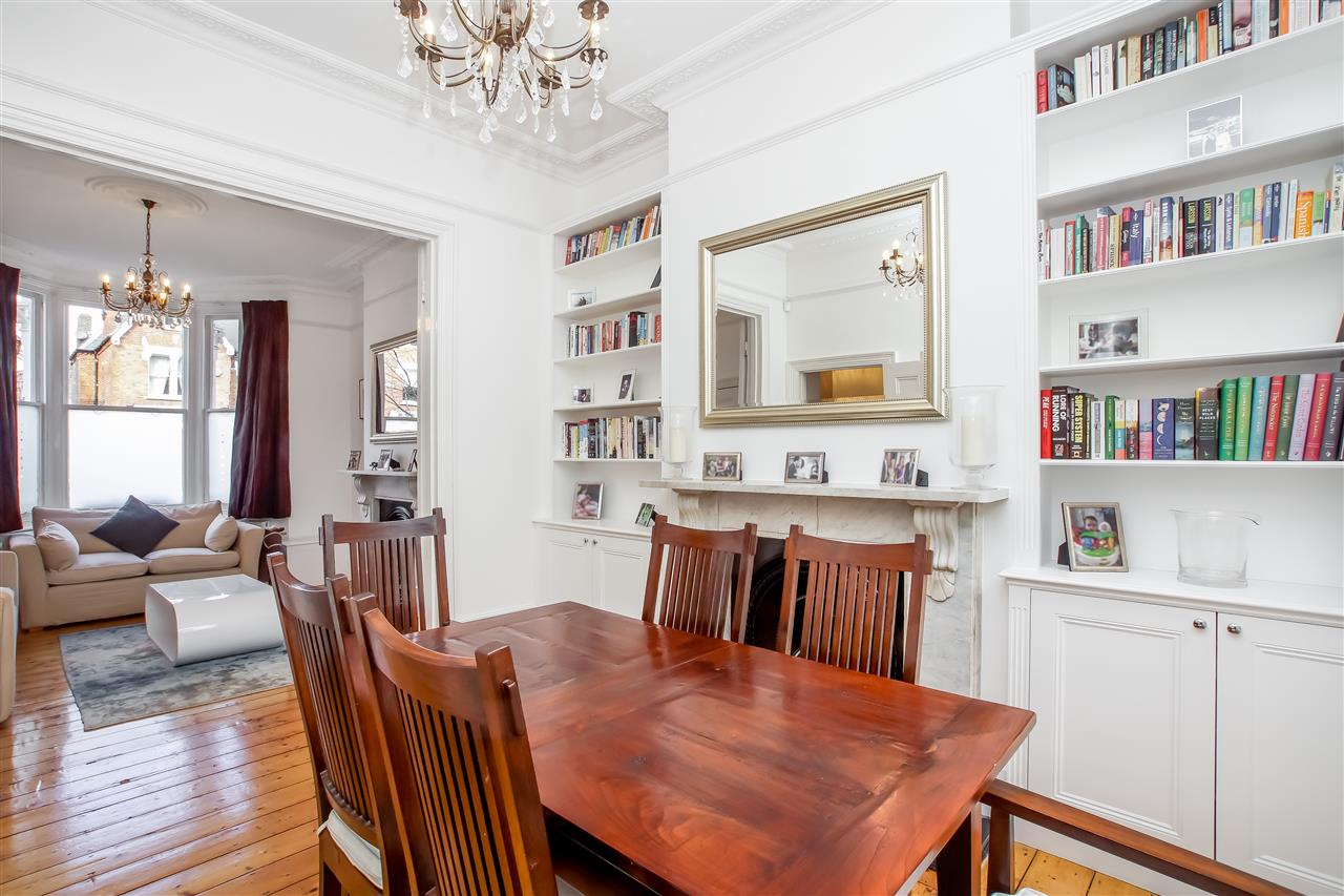 5 bed house for sale in Mercers Road, London 3